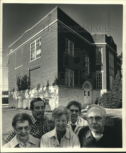 1988 Press Photo Former students of Sussex, Wisconsin's Main Street School - Historic Images