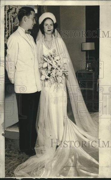 1957 Press Photo Wedding of Clifford Brooks Stevens and Alice Kopeier, Milwaukee - Historic Images