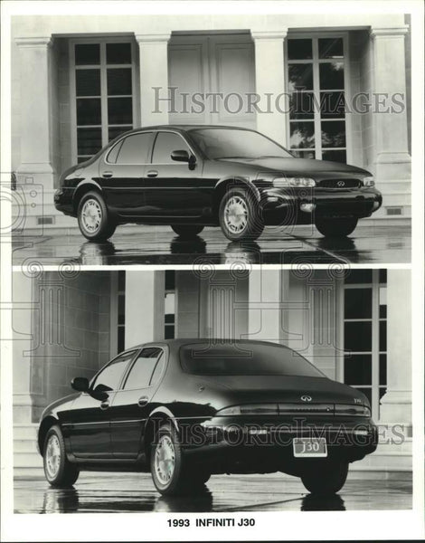 1992 Press Photo The Infiniti J30  sedan to be introduced at Milwaukee auto show - Historic Images