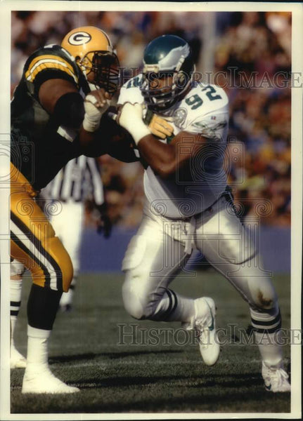 1993 Press Photo Reggie White and Tootie Robbins in action at County Stadium - Historic Images