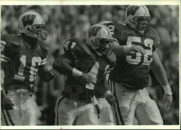 1994 Press Photo University of Wisconsin-Madison Badger, Cory Raymer & others - Historic Images