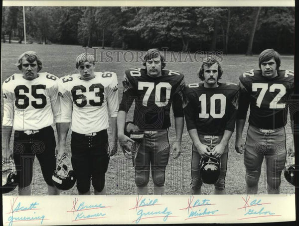1975 Press Photo University of Wisconsin Football Players - mjc33791 - Historic Images