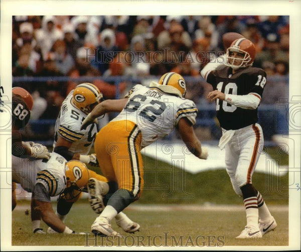 1992 Press Photo Green Bay Packers football player Mike Tomczak in action - Historic Images