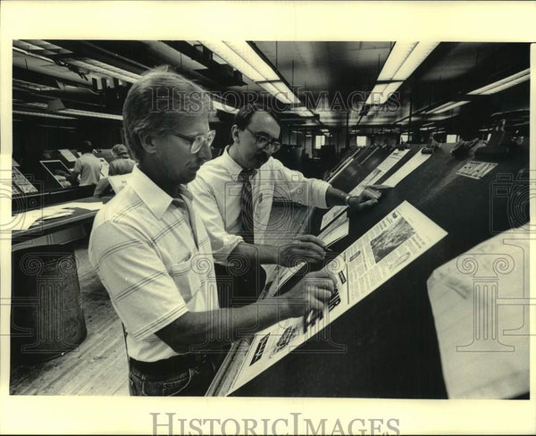 1986 Press Photo Workers in the Milwaukee Journal Composing Department, WI - Historic Images