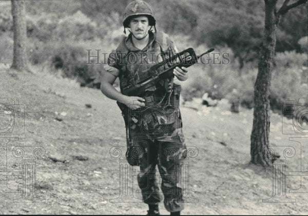 1983 Wisconsin marine Scott Brousseau in field in Lebanon - Historic Images