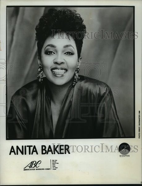 1988 Press Photo Anita Baker, singer - mjp01232 - Historic Images