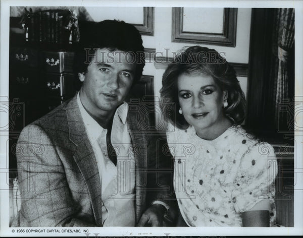 "1987 Press Photo Barbara Walters interviews ""Dallas"" star Patrick Duffy - Historic Images"