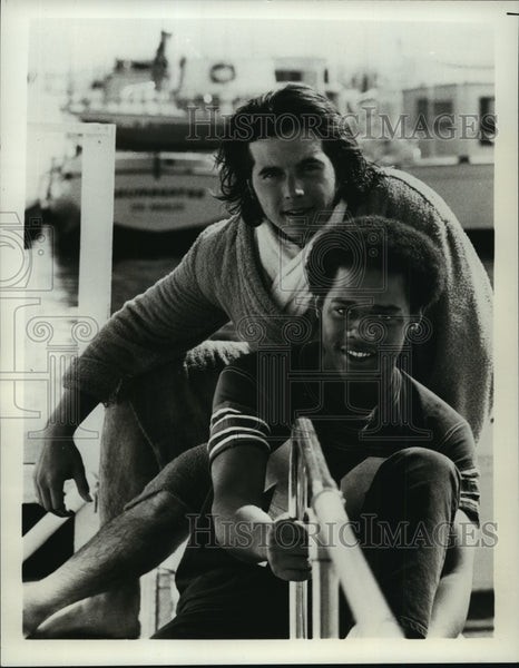 1973 Press Photo Desi Arnaz Jr. and Mike Evans in The Voyage of the Yes. - Historic Images