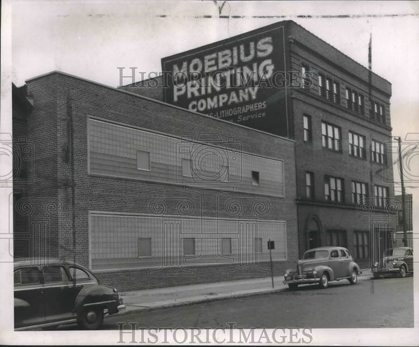 1946 Press Photo Moebius Printing Company, 300 N. Jefferson Street - mjx45723 - Historic Images