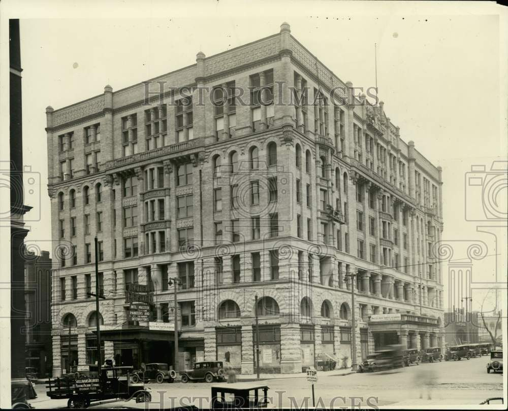 1927 Press Photo The Pfister Hotel in Milwaukee, Wisconsin - Historic Images