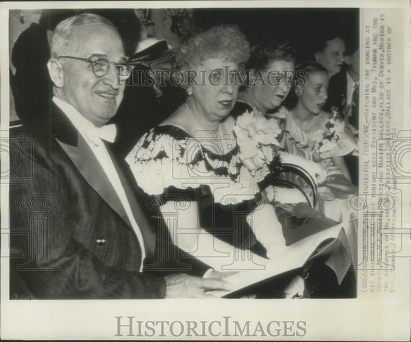 1949 Press Photo President and Mrs. Truman Watch Dancing at Inaugural ball - Historic Images