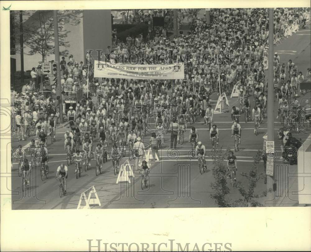 "1983 Press Photo Bikers participate in ""Uecker's Ride for the Arts"", Milwaukee - Historic Images"
