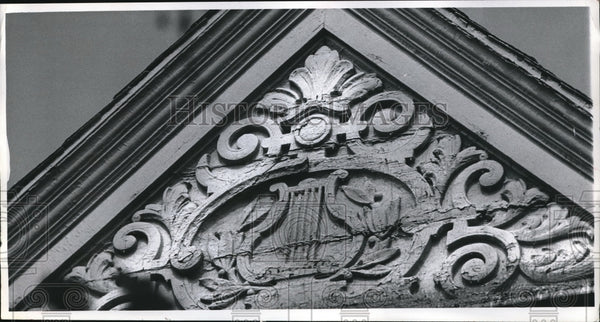 1916 Design in one of the building in 2400 E 40th Street - Historic Images