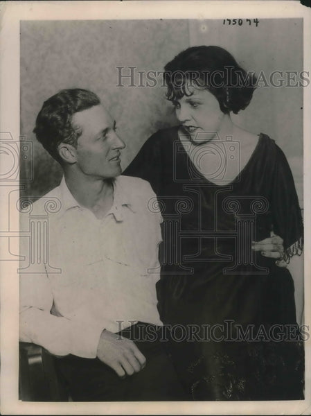 1922 Mrs. Peggy Chaffee with Husband M.D. Chaffee - Historic Images