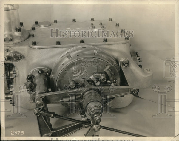 1929 Servo mechanism for an auto transmission - Historic Images