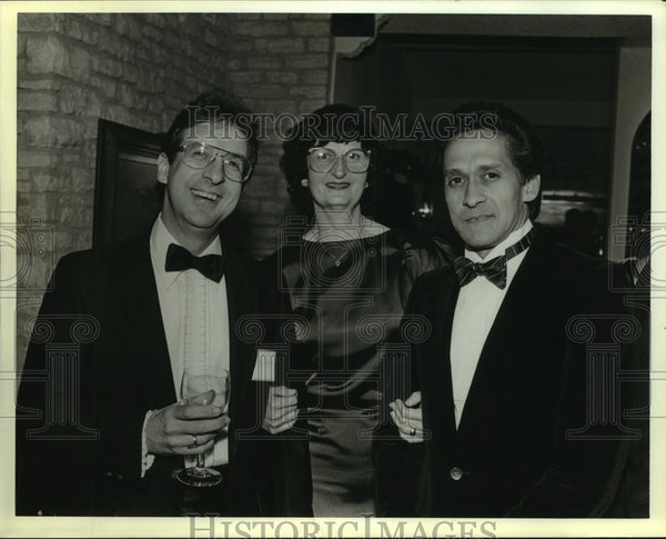 1989 Press Photo Dr. Socrates Aramburu and Wife at Dominican Republic Party - Historic Images