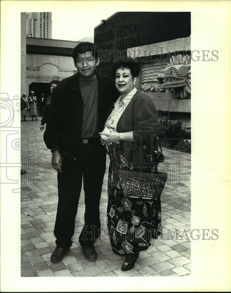 1993 Press Photo Luz Maria Alcazar at Benito Juarez Birthday Celebration - Historic Images