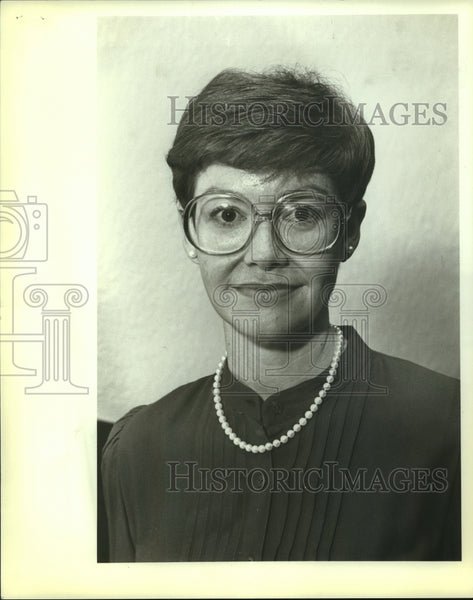 1983 Press Photo Betty Adler - saa00532 - Historic Images