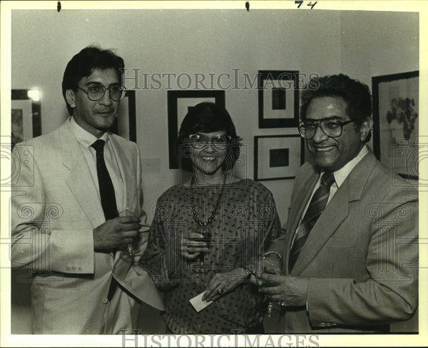 1988 Press Photo Georgina Barclay at Universidad Nacional De Mexico Art Exhibit - Historic Images