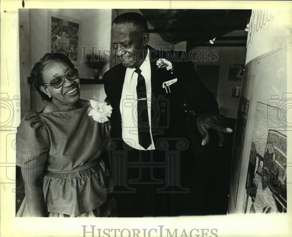 1984 Press Photo John and Earlie Banks at Objects Gallery Art Opening - Historic Images
