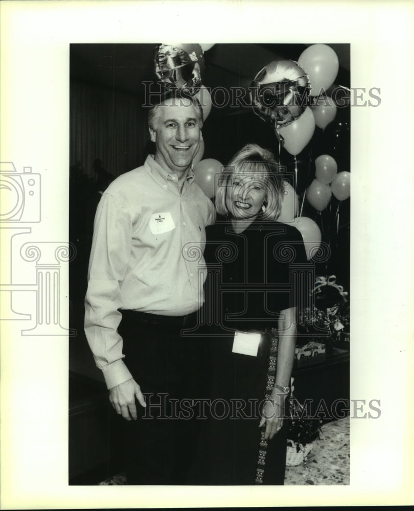 1992 Press Photo Charles Amato at Incarnate Word College Dinner - saa00873 - Historic Images