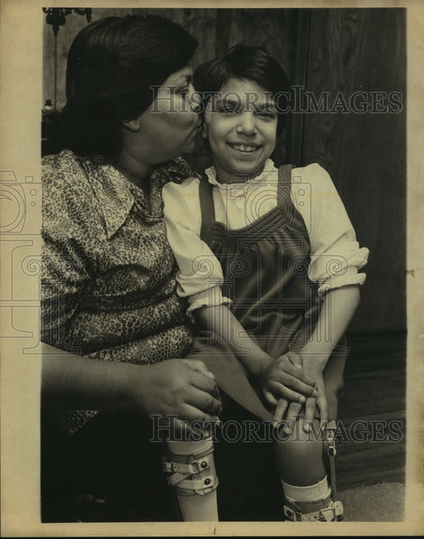 1980 Press Photo Poster child Jeanette Alvarado and mother - saa00951 - Historic Images