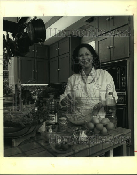 1992 Press Photo HEB cooking class teacher Anabelle Ardid - saa01141 - Historic Images