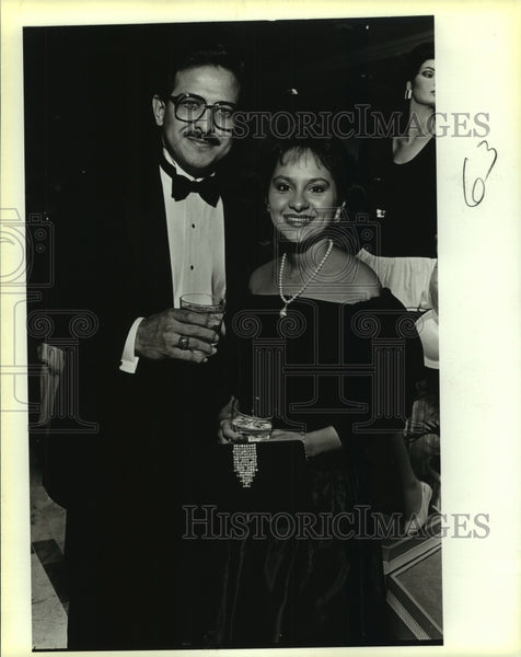 1988 Press Photo Lord-Taylor event, Roger and Di-Anna Arias - saa01197 - Historic Images