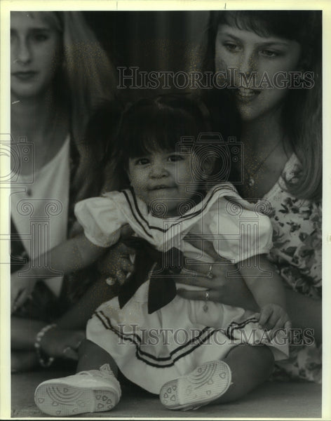 1992 Press Photo Jennifer Peacock, right, Erin Allen & Baby Annie, Texas family - Historic Images