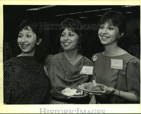 1986 Press Photo The Arias at Hispanas Unidas reception at Municipal Auditorium - Historic Images