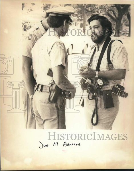 1978 Press Photo San Antonio Express-News photographer Joe Barrera Jr. - Historic Images