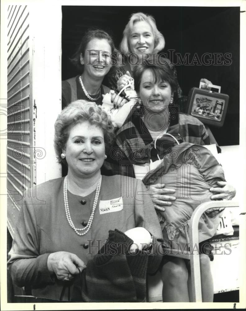 1990 Press Photo Bexar County Medical Society Auxiliary new members coffee event - Historic Images