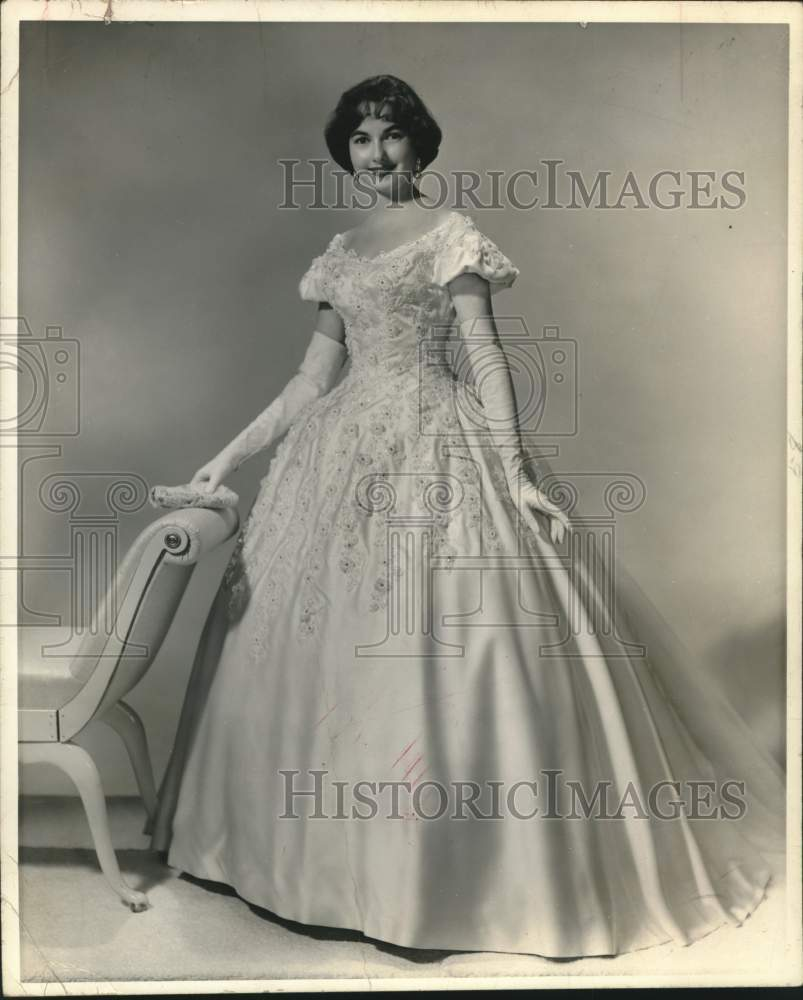 Press Photo Debutante Miss Kathryn Ann Barragan - saa01566 - Historic Images