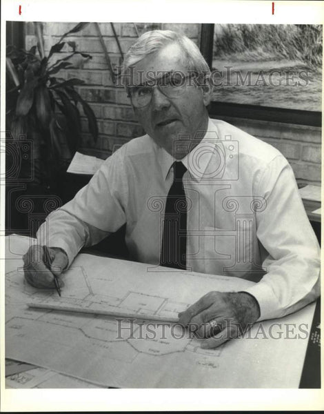 1991 Press Photo Prestige Homes builder Lloyd Booth - saa01580 - Historic Images