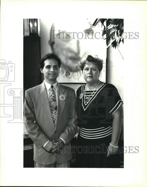 1994 Press Photo Oscar Alvarado and Kathleen Mansmann, Art in the Hood party - Historic Images