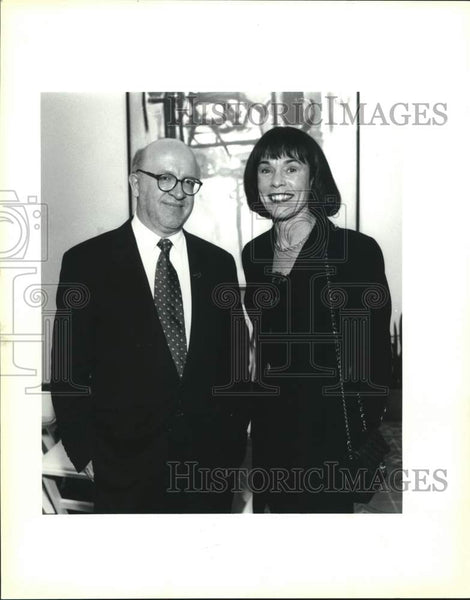 1996 Press Photo Erik Naslund and Nancy Baer, McNay Art Museum members preview - Historic Images