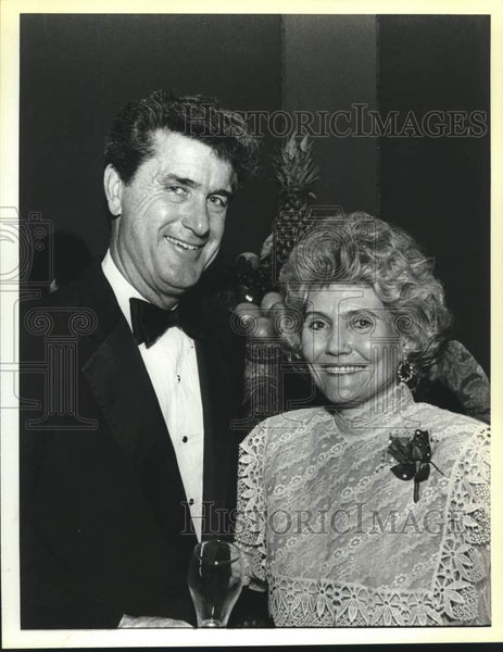 1988 Press Photo Emerson and Rose Marie Banack, pre-symphony concert reception - Historic Images