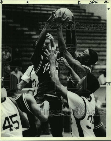 1989 Press Photo Jay and Highlands play boys high school basketball - sas10155 - Historic Images