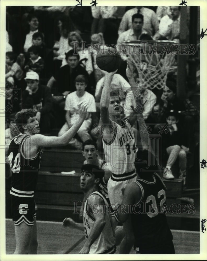 1990 Press Photo Alamo Heights High basketball player Ben Hart in action - Historic Images