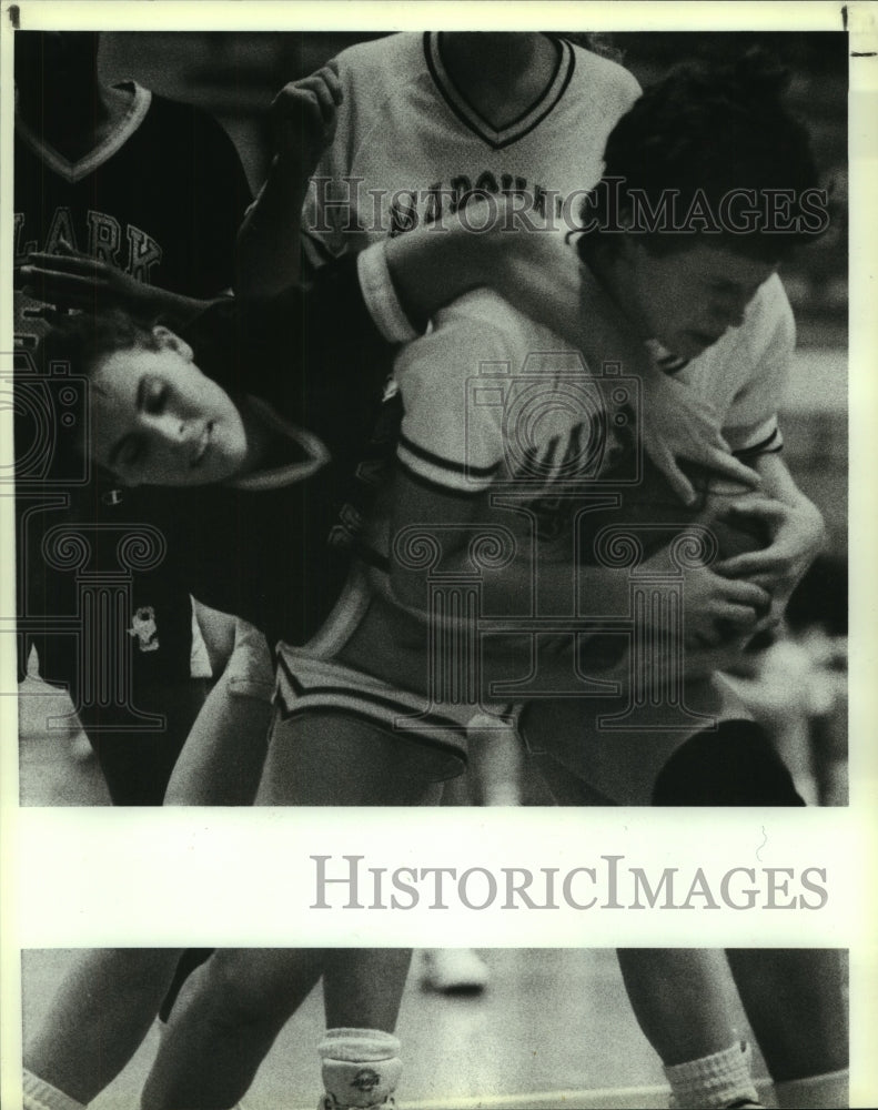 1990 Press Photo Clark and Marshall play girls high school basketball - Historic Images
