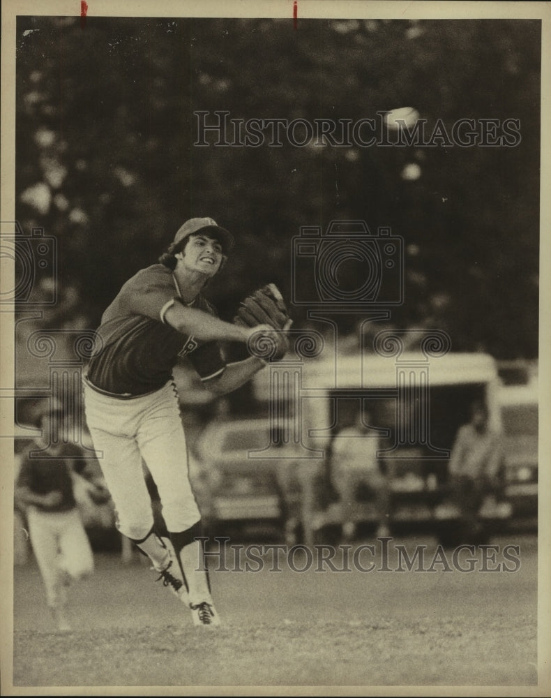 1978 Press Photo High school baseball player Bill Dittman in action - sas10327 - Historic Images