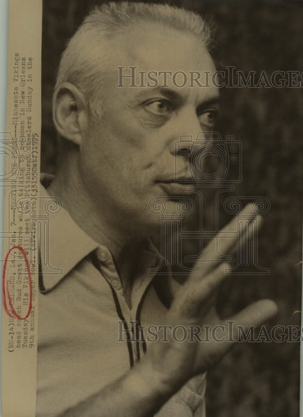 1975 Press Photo Bud Grant, Minnesota Vikings Football Coach in New Orleans - Historic Images