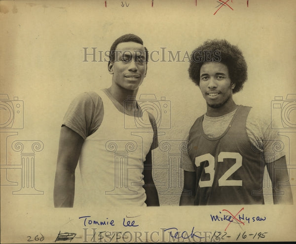 Press Photo Tech Basketball Players Tommy Lee and Mike Hysaw - sas12296 - Historic Images