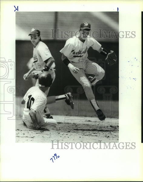 1991 Press Photo Harlandale and Clark play high school baseball - sas12701 - Historic Images
