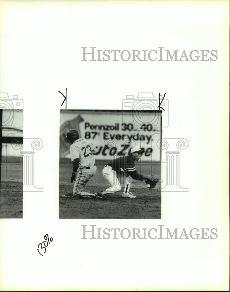 1990 Press Photo Pleasonton and Anderson High School Baseball Players at Game - Historic Images