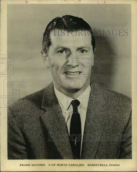 Press Photo University of North Carolina basketball coach Frank McGuire - Historic Images
