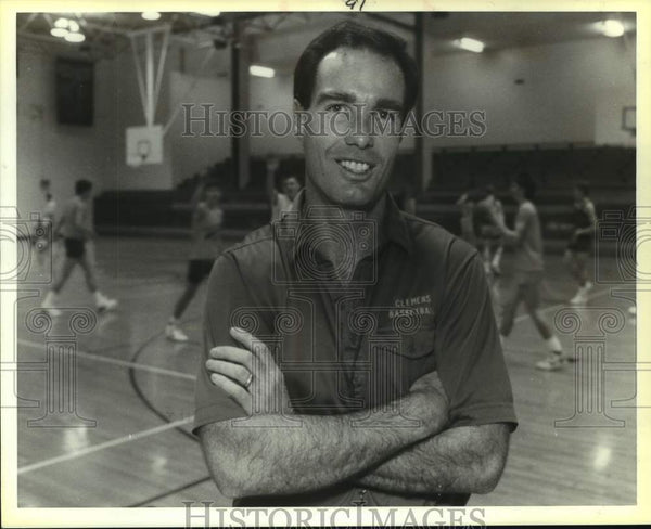 1988 Press Photo Clemens High basketball coach Steve Morris - sas14761 - Historic Images