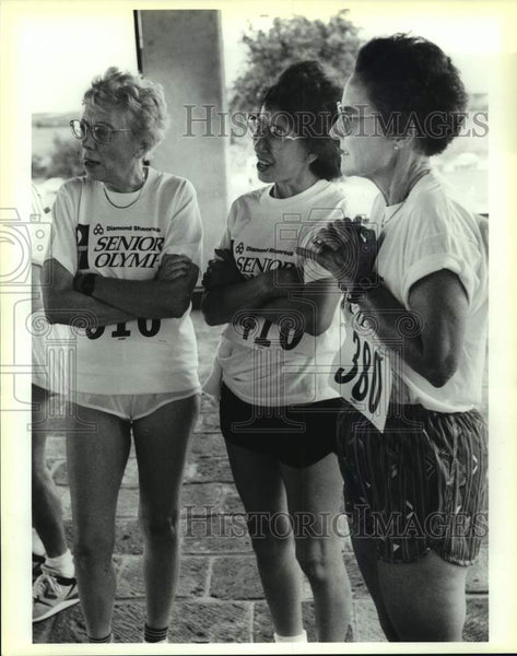1990 Press Photo Senior Olympics 10 kilometer runners at Retama Polo Center - Historic Images