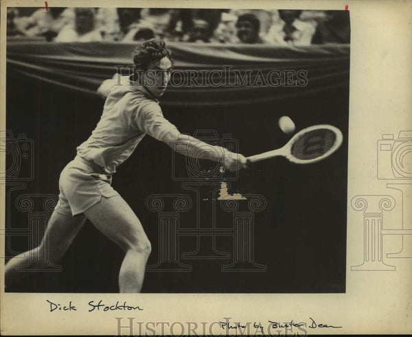1975 Press Photo Tennis player Dick Stockton in action - sas15619 - Historic Images