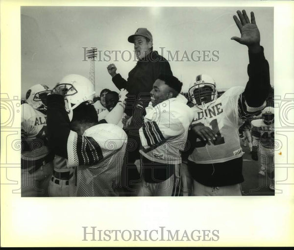 1989 Press Photo Aldine High football coach Bill Smith after Judson victory - Historic Images